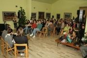 publika-slusa-pistala-u-spomen-zbirci-b-beljanskog